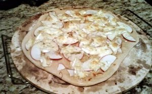 Apple & Brie Pizza